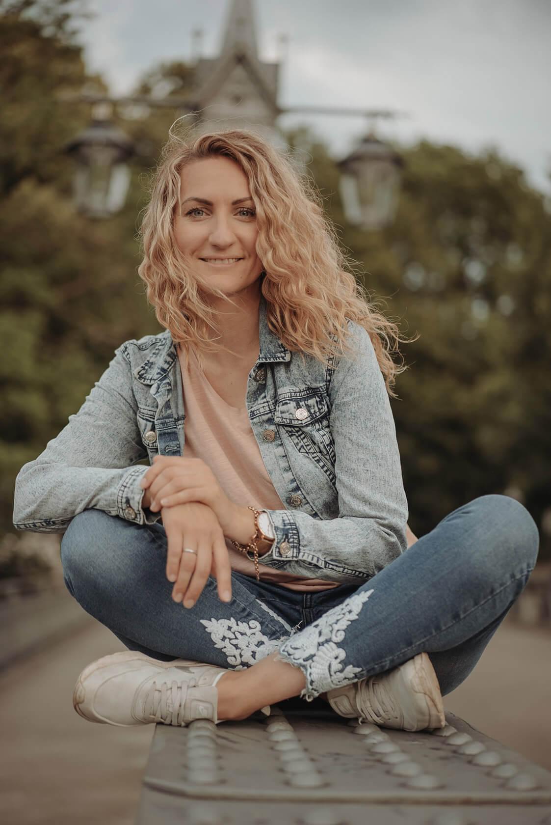 Medium Friederike Alice